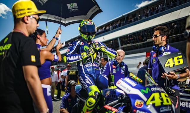 Rossi meminta Mantan Pembalap Jadi Pembimbingnya
