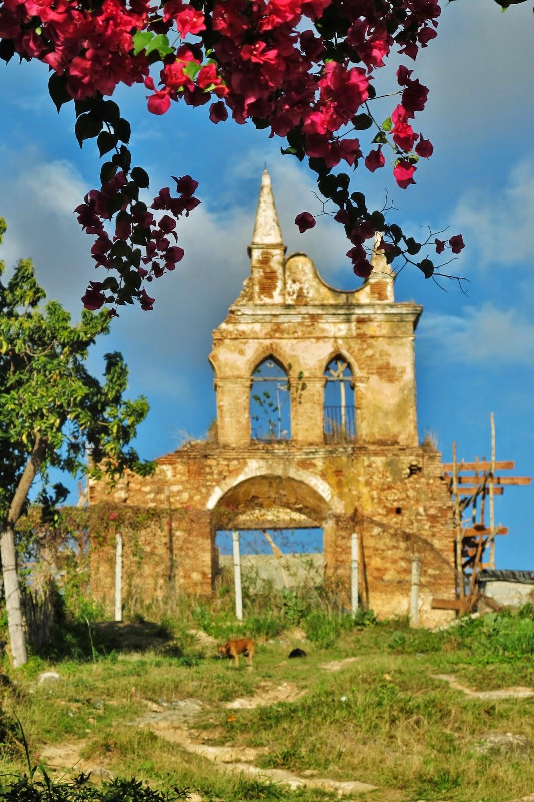 Ruínas da Ermita de Nuestra Señora de la Candelaria de la Popa, em Trinidad.