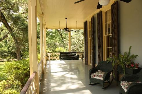 pixabay.com/en/porch-front-house-home-exterior-186402