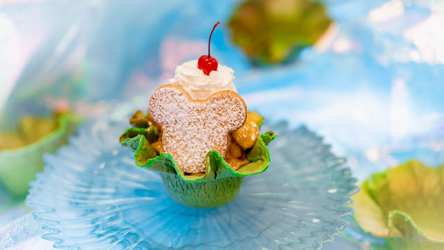 Magic Happens Parade Food, snacks, Gibson Girl Ice Cream Parlor, Dulce de Leche Sundae
