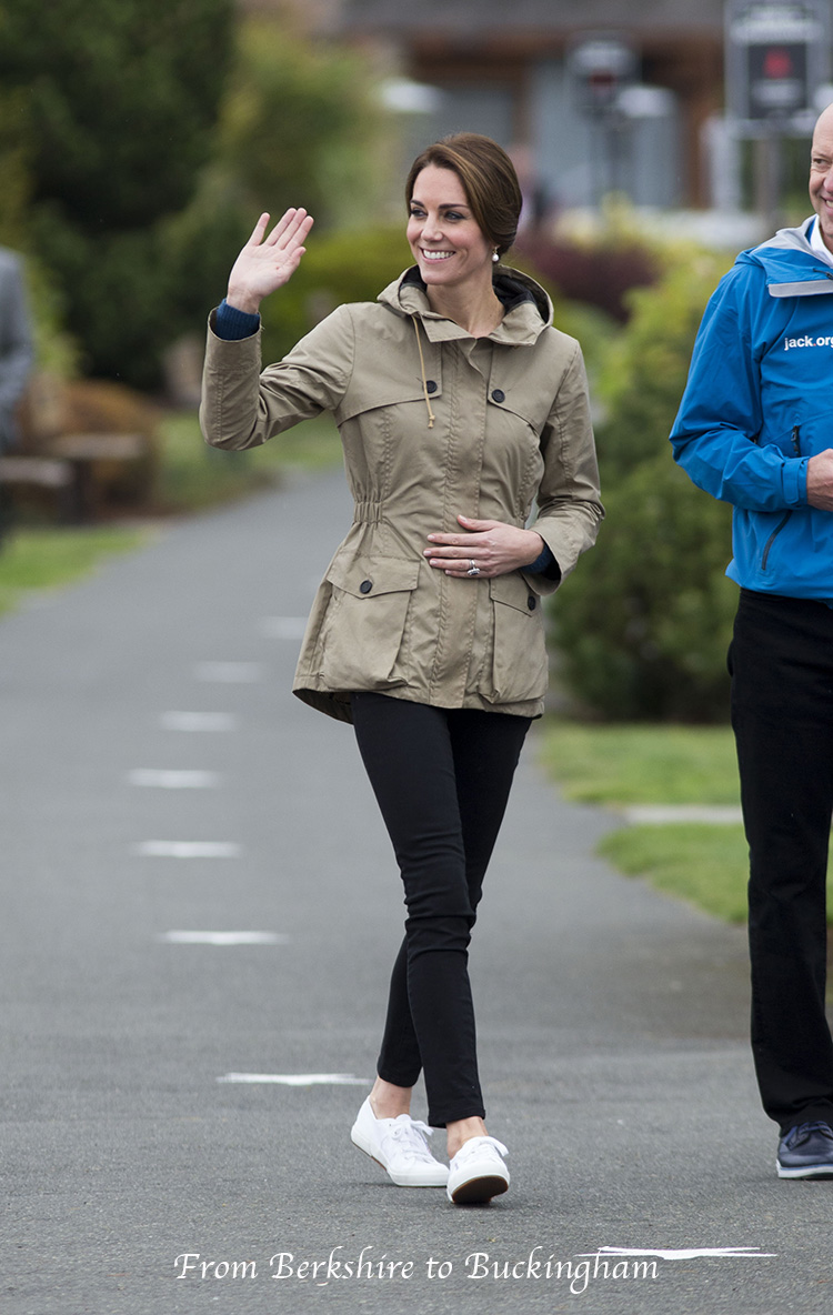 Kate  Carole Middleton Spotted At Pippas Place  Meghan -2565