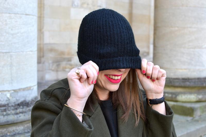 bonnet noir en laine Etam