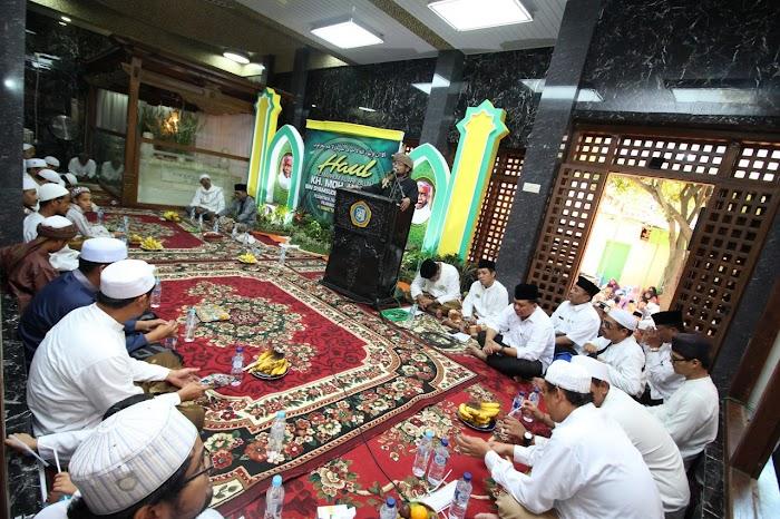 Kiai Hasan Genggong, Sosok Agamis Tidak Anti Nasionalis - #HaulKiaiHasanGenggong