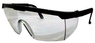 Kaca mata sebagai jenis alat pelindung diri untuk keselamatan kerja