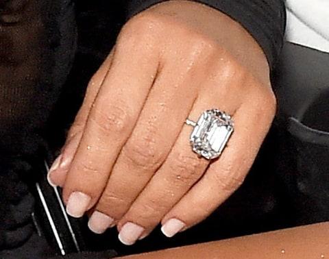 Fashion Amp Make Up Kanye West Gave Kim Kardashian Another Diamond Ring