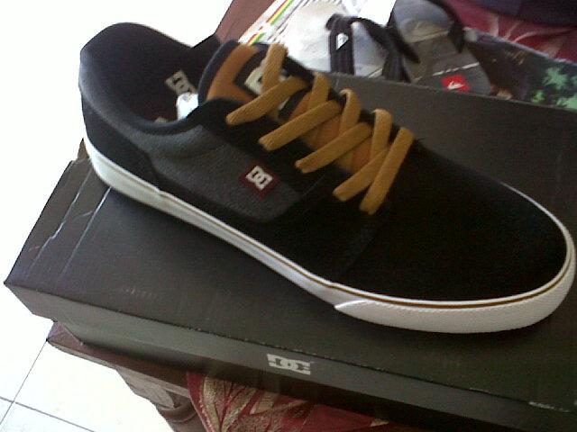 Sepatu Dc Tonik S Ori sepatu ripcurl original newhairstylesformen2014 f646647710