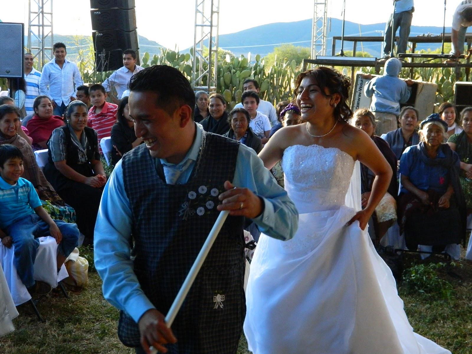 escribes conmigo  Una boda tpica