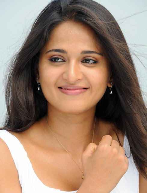 Wallpapers Hd  of Anushka Shetty Download pc Background desktop