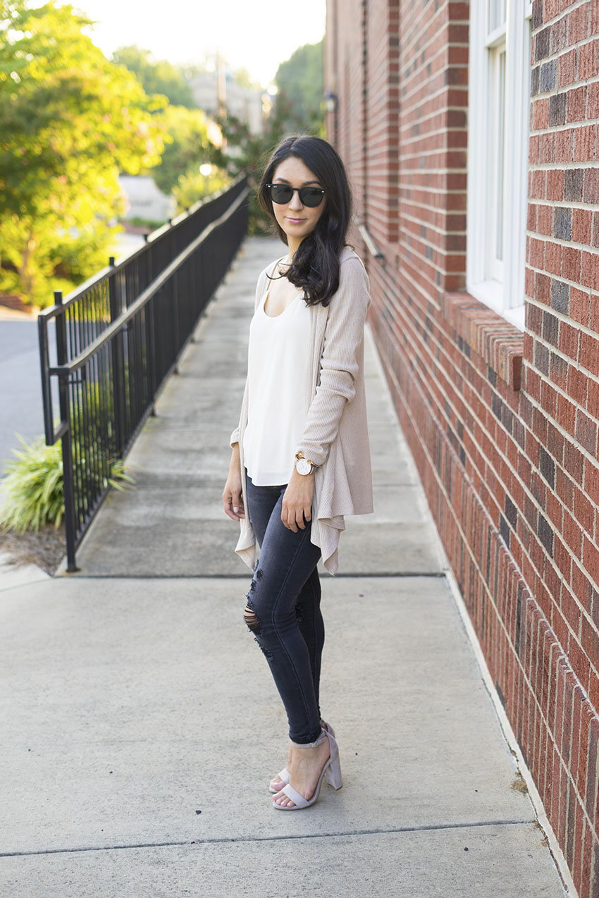 Fall Outfits Black Ripped Jeans, Steve Madden Block Heel Sandals, Grana Silk Cami, Ribbed Cream Cardigan