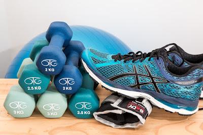 Cara Membakar Lemak Dengan Cepat Menggunakan 7 Latihan Olahraga Sempurna untuk Pemula.