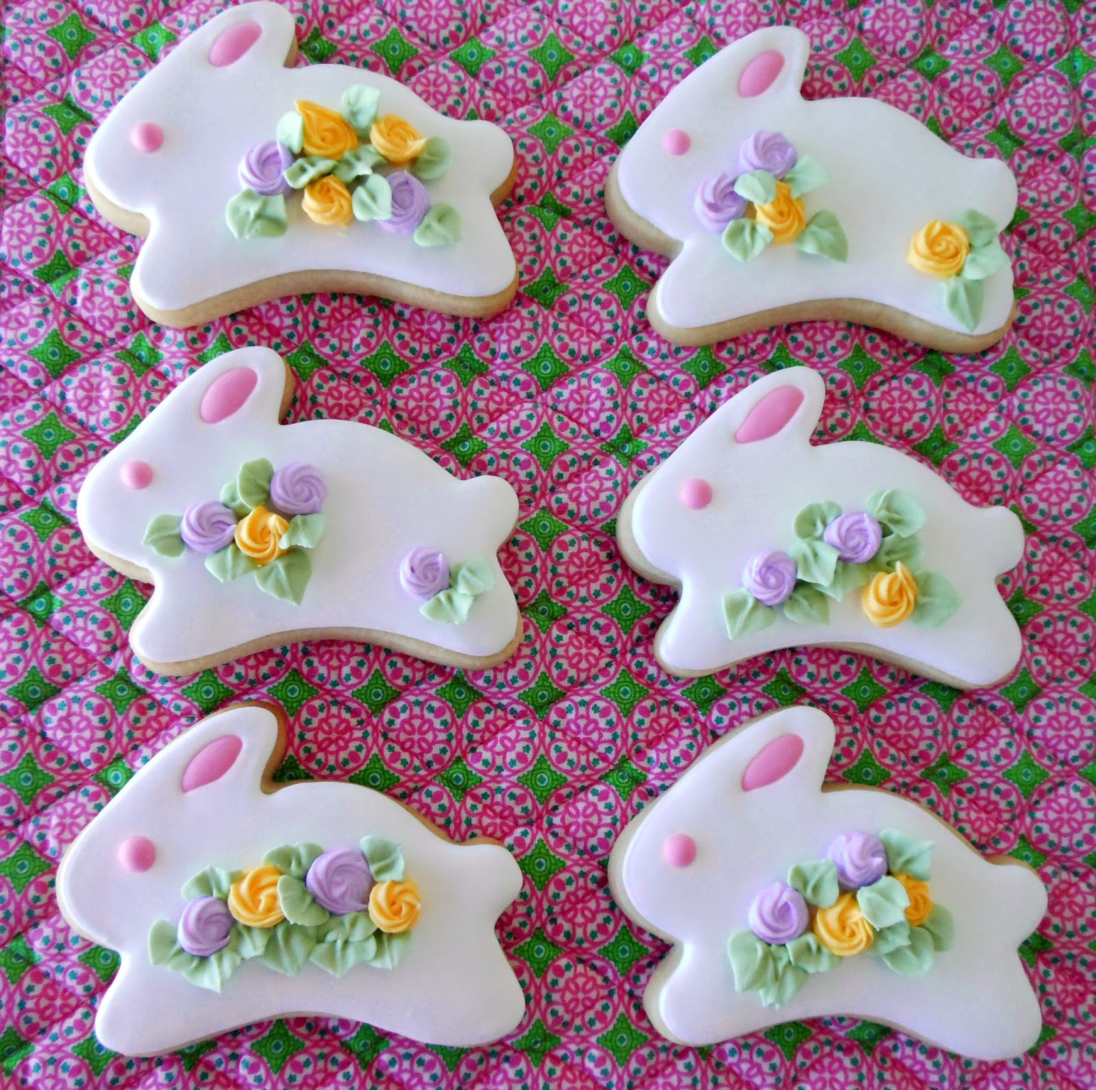 my cookie clinic  bunny cookies   do i see chocolate