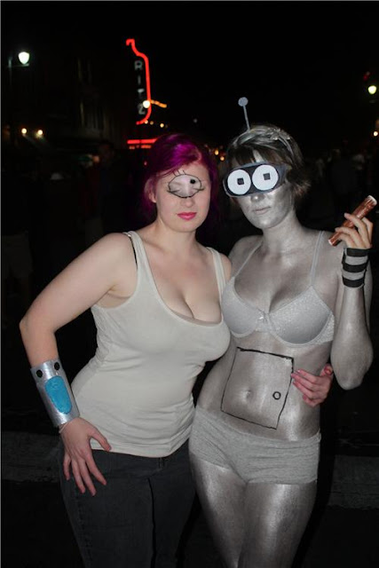 big breasted leela from futurama