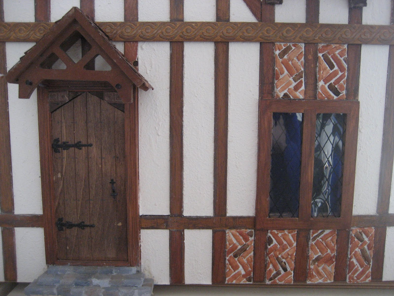 dolls houses and minis: Tudor Dolls House - Decorating the Exterior