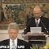 Η στιγμή που ο Κωστής Στεφανόπουλος συγκλόνισε με την ομιλία του προς τον Μπιλ Κλίντον (video)