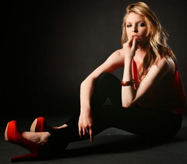 Anna Faris Bra Size Height Weight Body Measurements ...