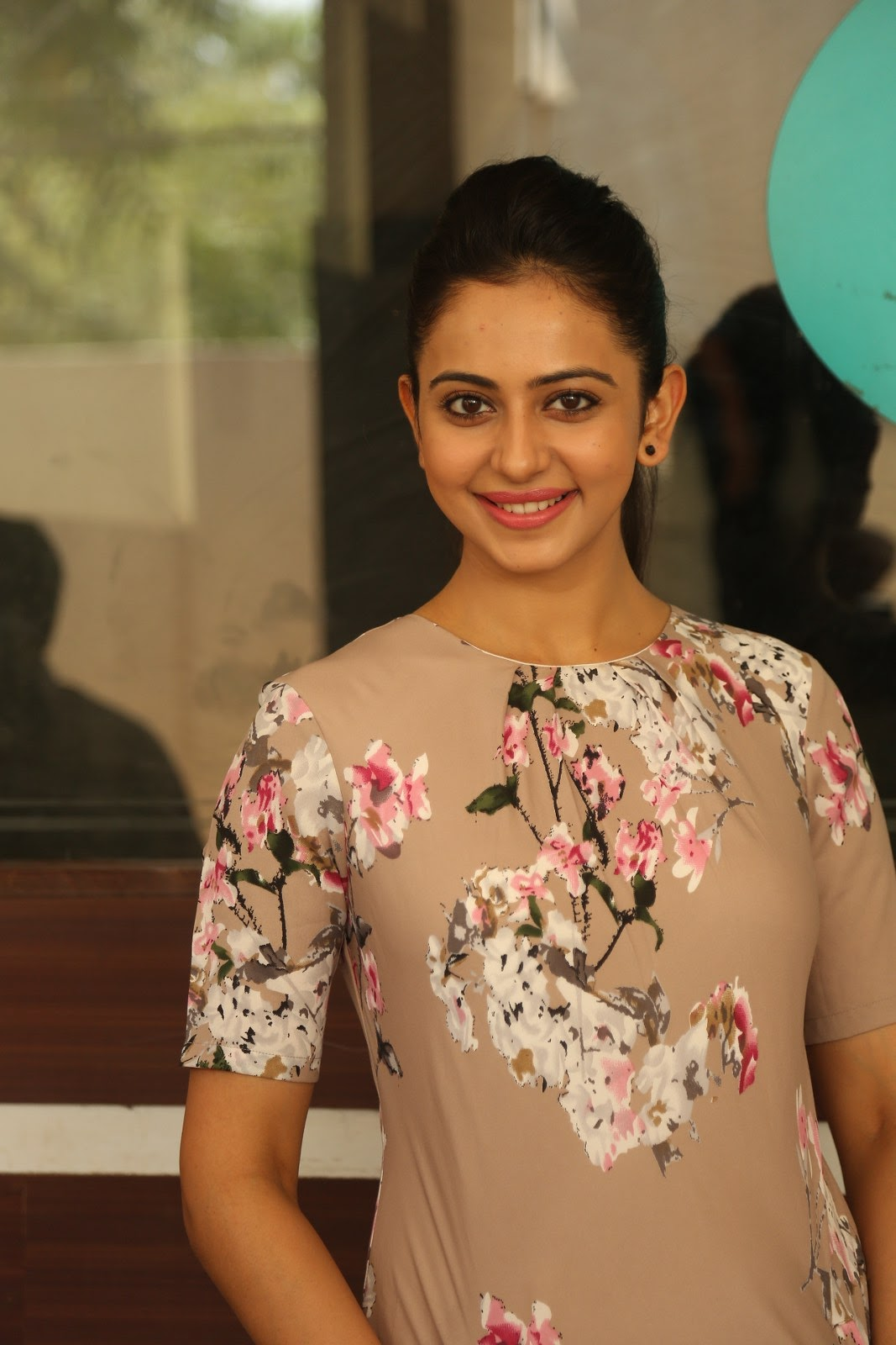 Rakul Preet Singh Hot, Sexy And Beautiful Pics - Reckon Talk