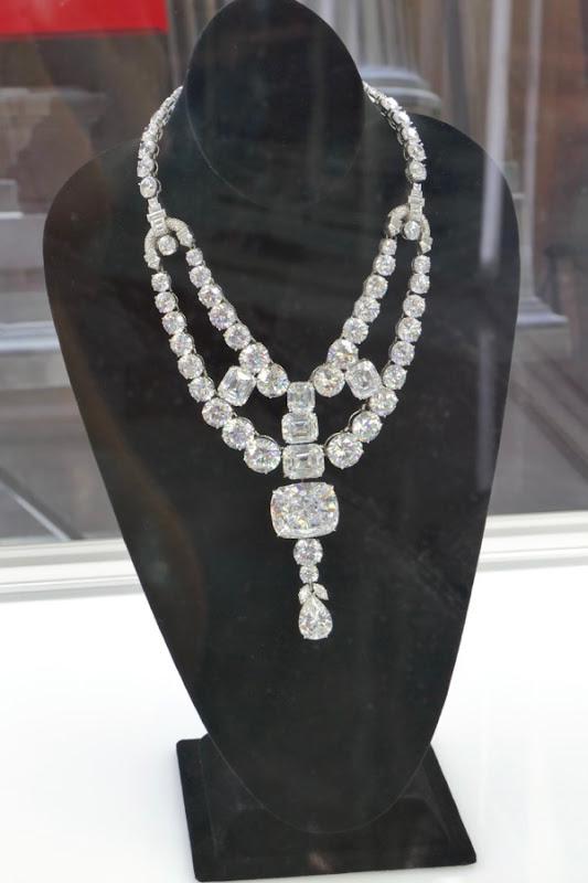 Toussaint necklace prop Oceans 8