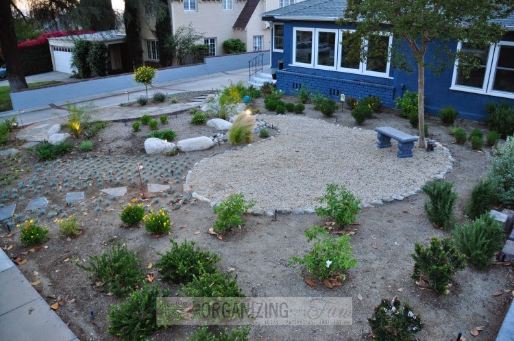 Front yard makeover - from grass to gorgeous :: OrganizingMadeFun.com