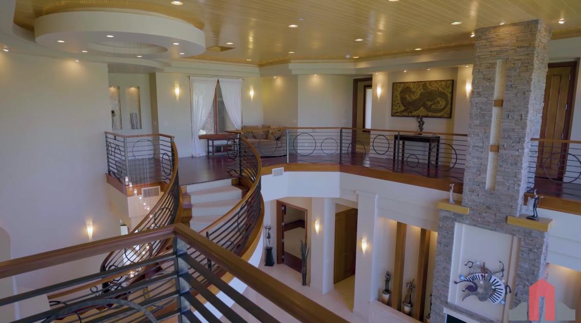34 Interior Design Photos vs. 491 Toucan Ridge Ct, Henderson Home Tour