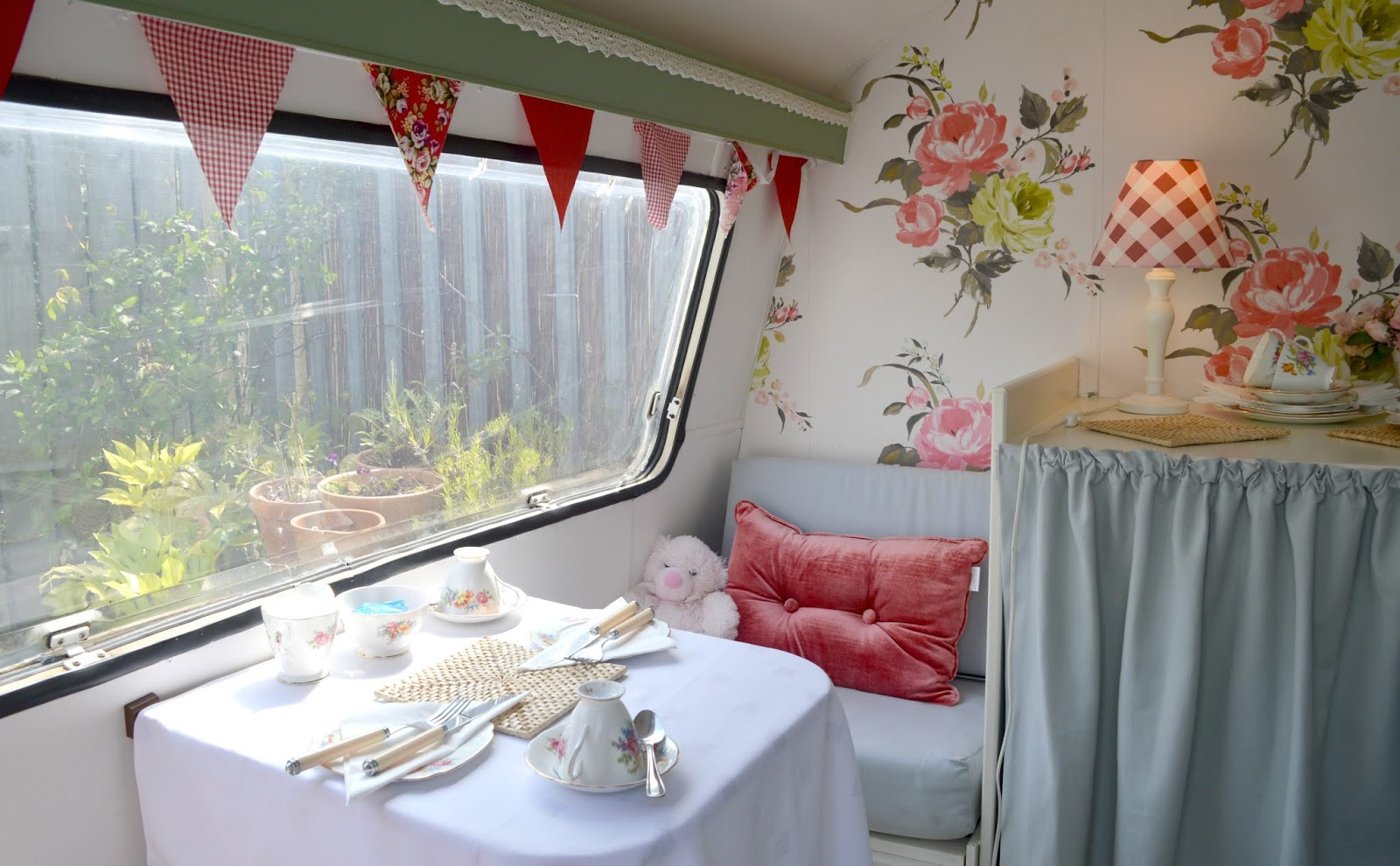 Afternoon Tea Vintage Caravan in Northumberland - Circa in Amble