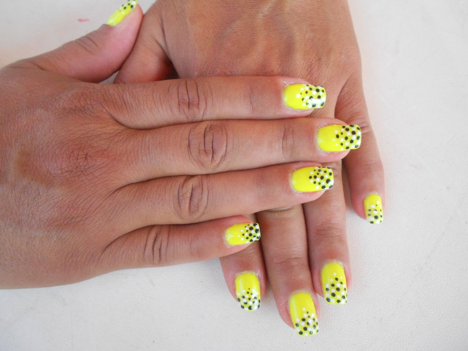 Mariagrazia Nails Art Giallo Neon E Pu 224 Bicolore