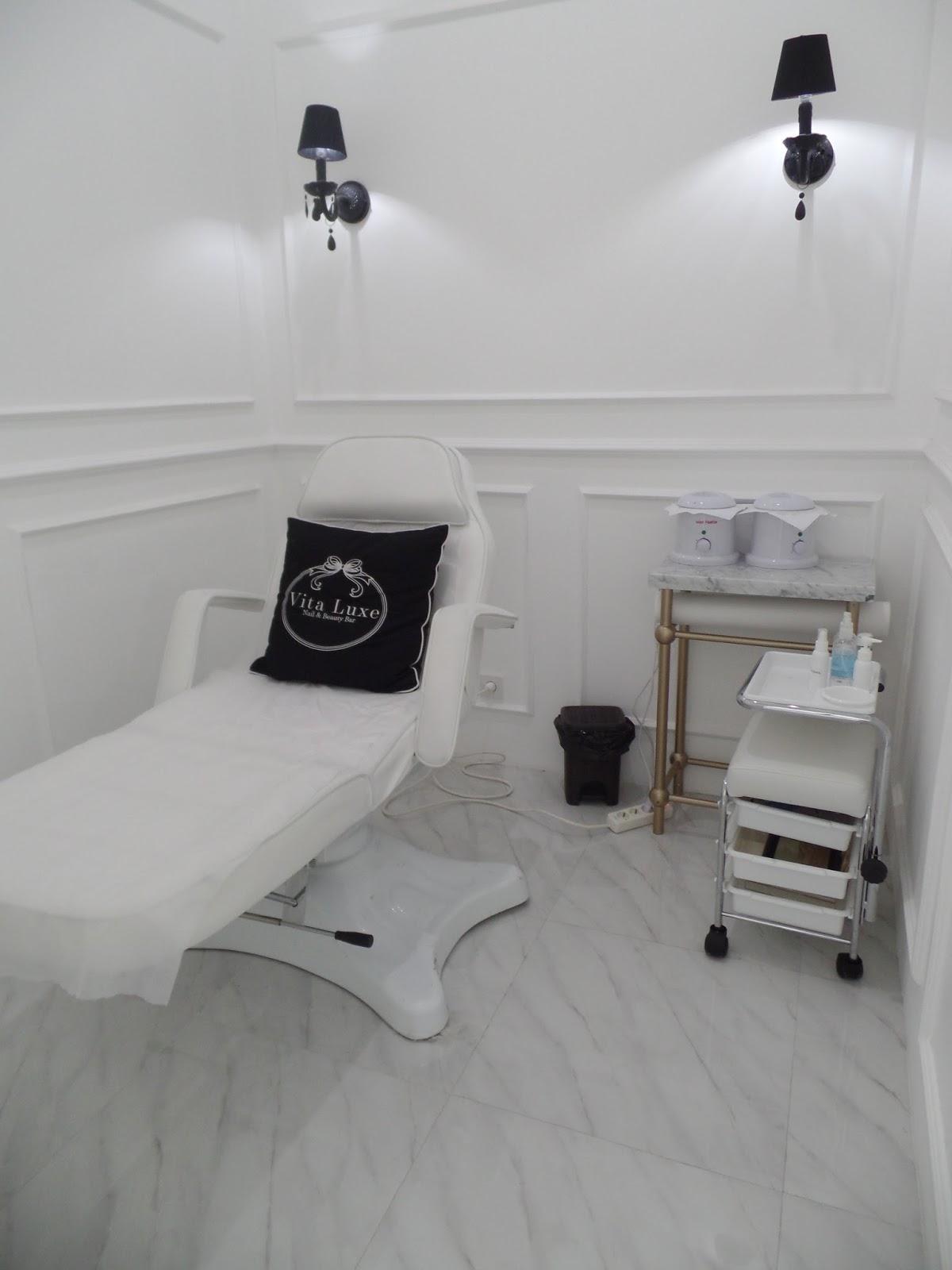 Not So Stiletto: Vita Luxe Nail Salon & Beauty Bar