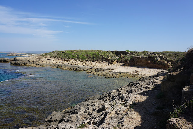 הנמל העתיק בתל דור
