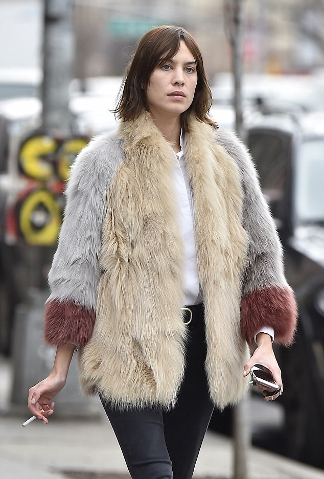 Alexa Chung's New York City Street Style is Efffortless