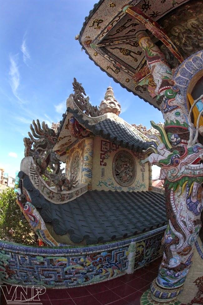 voyages au vietnam et ailleurs culture la merveilleuse pagode linh phuoc. Black Bedroom Furniture Sets. Home Design Ideas