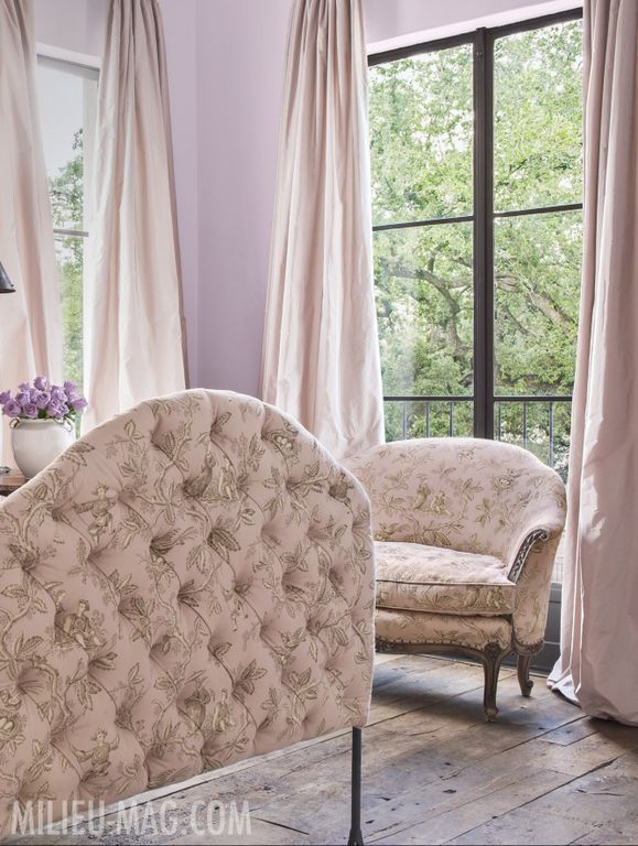 Pink toile bedroom by Pamela Pierce in Milieu magazine