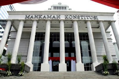 Menguak pelegalan politik dinasti di Indonesia