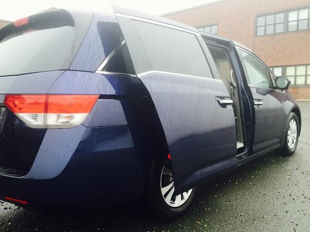 2015 Honda Odyssey sliding doors