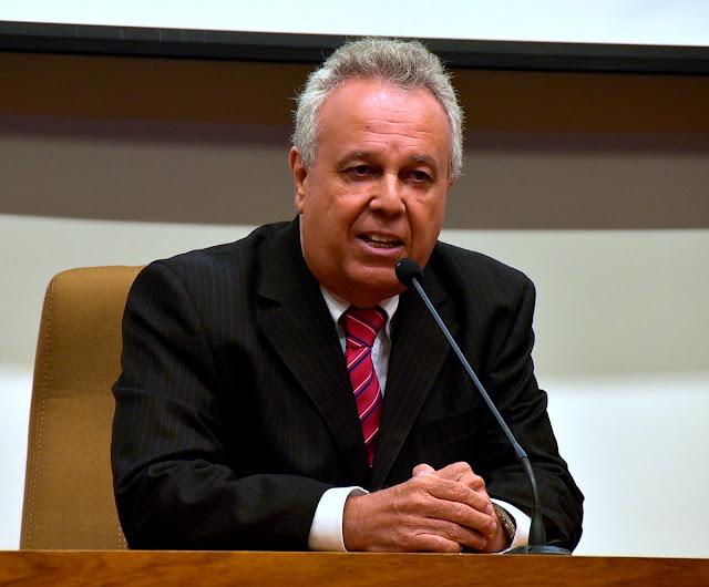 Presidente do TCE alerta prefeitos sobre prazo para prestações de contas