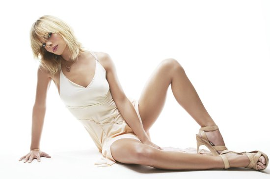 Image Gallary 3 American Actress jaime pressly Beautiful legs pictures
