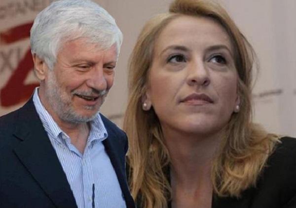 Την παραίτηση της Δούρου από τη θέση της Εντεταλμένης για την Ελληνογερμανική Συνέλευση ζήτησε ο Τατούλης
