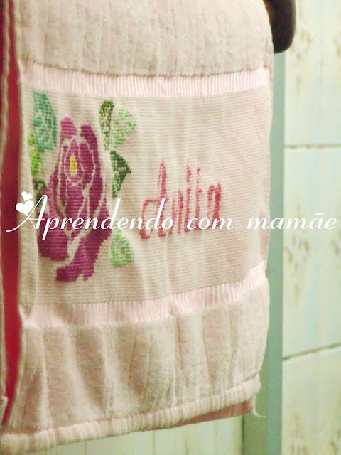 ponto cruz, conjunto de toalhas, bordado, döhler, atêlie bordados modernos, Coats Corrente, lavabo, decoração banheiro, toalhas de banho, banho