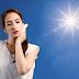 गर्मियों में तेज धूप से होने वाली जलन से छुटकारा पाने के लिए करें ये आसान उपाय