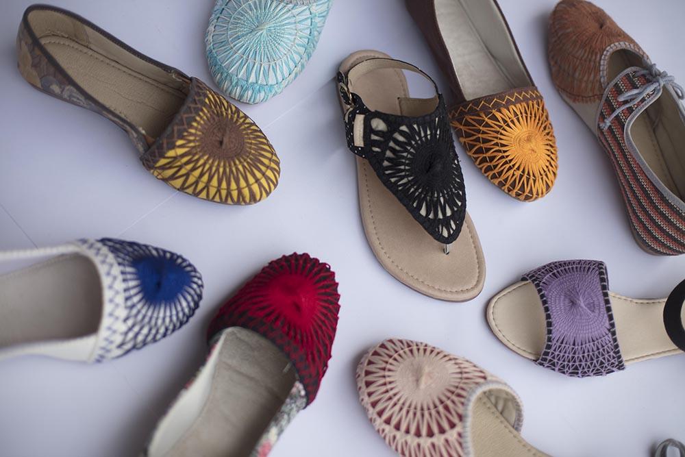 7dcb57b44e Artesãs cearenses produzem sapatos com reuso de materiais