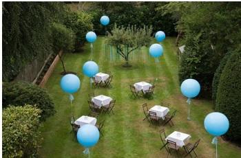 cómo decorar el patio para una cena de cumpleaños