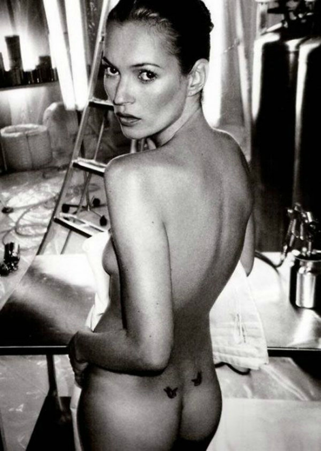 TINY TATTOO KATE MOSS