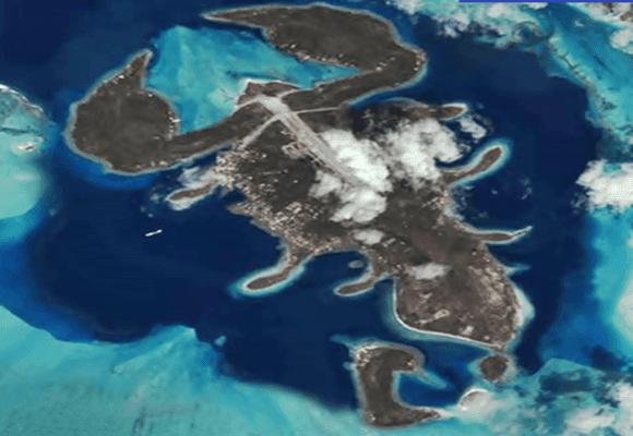 Deus-ilha-formato-escorpião