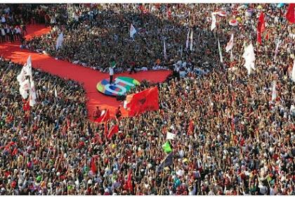 50 Droe Meutimphan Pingsan Ureung Bak Kampanye Jokowi di Batam
