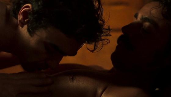 Internet comemora 1ª cena de sexo entre homens em novela