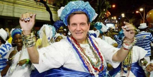 Crivella corta verbas para carnaval e revolta sambistas; breve teremos o desfile evangélico no Sambódromo