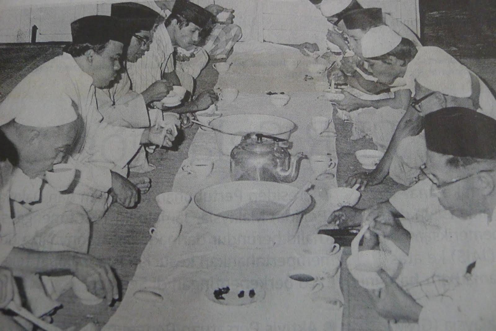 Image result for kenduri kahwin zaman dulu