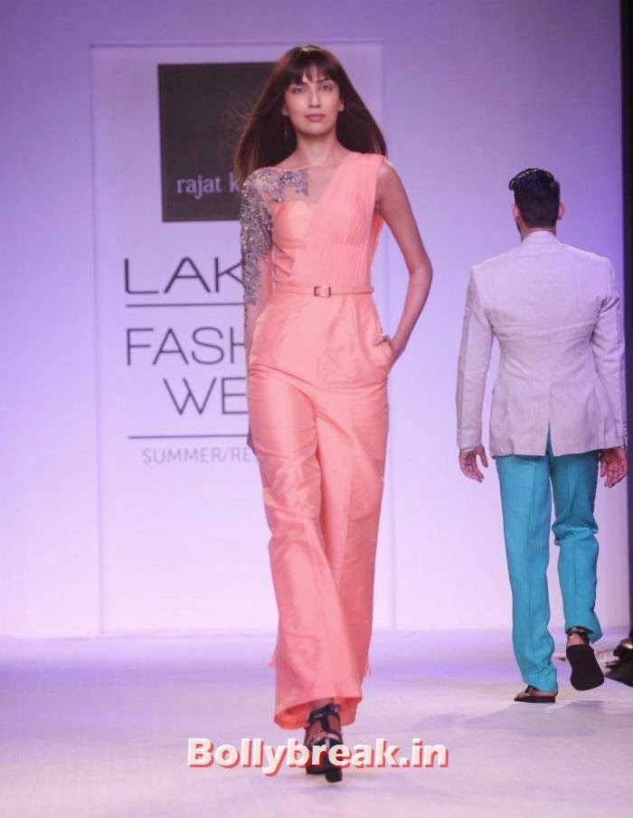 Sanea Sheikh, Indian Supermodels Walk for Rajat K Tangri Show at Lakme Fashion Week