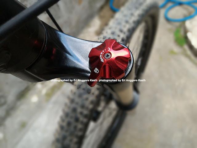 Sepeda Gunung Specialized S-Work ganti shock depan RST Omega TNL