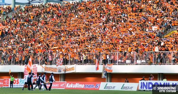 Persija Vs Sleman Update: Persija Jakarta Vs Persib Bandung 28/08/2013 . The Legend