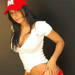 Andrea Rincon, Selena Spice Galeria 16: Linda Gorra Roja, Camiseta Blanca, Mini Tanga Roja Tipo Hilo Dental Foto 42