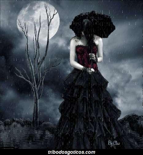 gotica chorando na chuva a noite